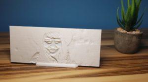 Frontales Licht auf das 3D-gedruckte Relief.